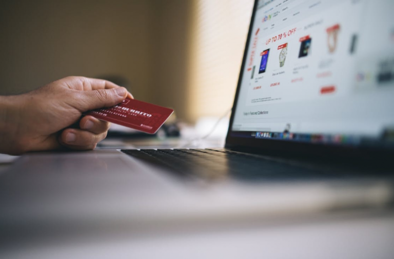 Top 9 Apps for Buying and Selling Stuff Online